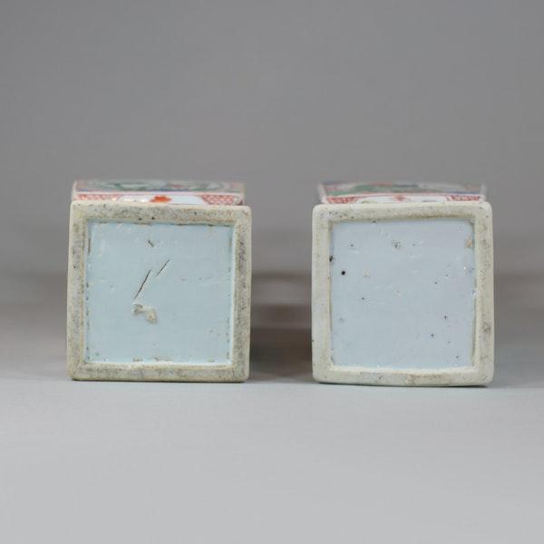 Pair of Chinese famille verte porcelain square-section vases, Kangxi (1662-1722) - image 3