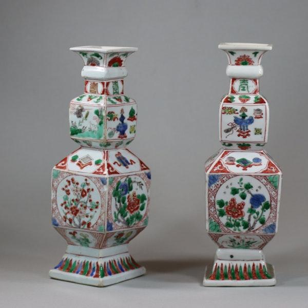 Pair of Chinese famille verte porcelain square-section vases, Kangxi (1662-1722) - image 5