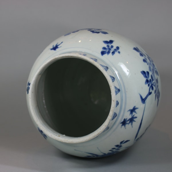 Chinese blue and white transitional jar, circa 1650 - image 2