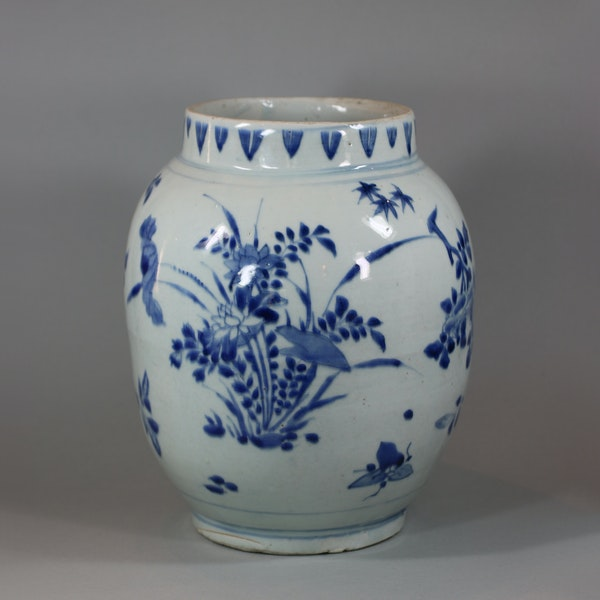 Chinese blue and white transitional jar, circa 1650 - image 1