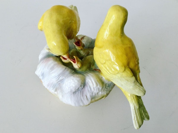 Meissen group of canaries - image 4