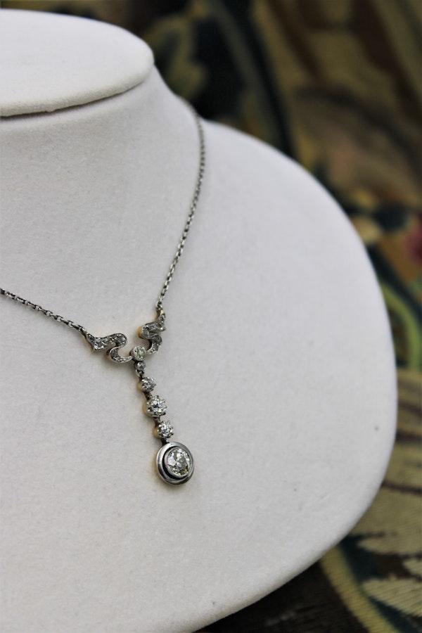 "A very fine ""Art Nouveau"" Diamond and Platinum drop Pendant, English, Circa 1925 - image 1"