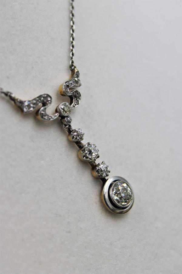 "A very fine ""Art Nouveau"" Diamond and Platinum drop Pendant, English, Circa 1925 - image 2"