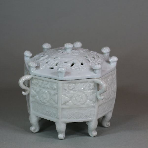 Chinese blanc de chine 'Marco Polo' censer and cover, Kangxi (1662-1722) - image 1