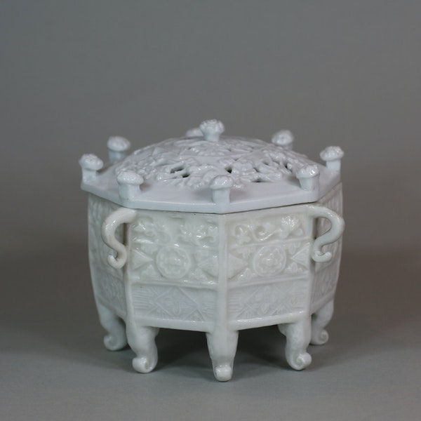 Chinese blanc de chine 'Marco Polo' censer and cover, Kangxi (1662-1722) - image 4