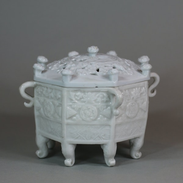 Chinese blanc de chine 'Marco Polo' censer and cover, Kangxi (1662-1722) - image 5