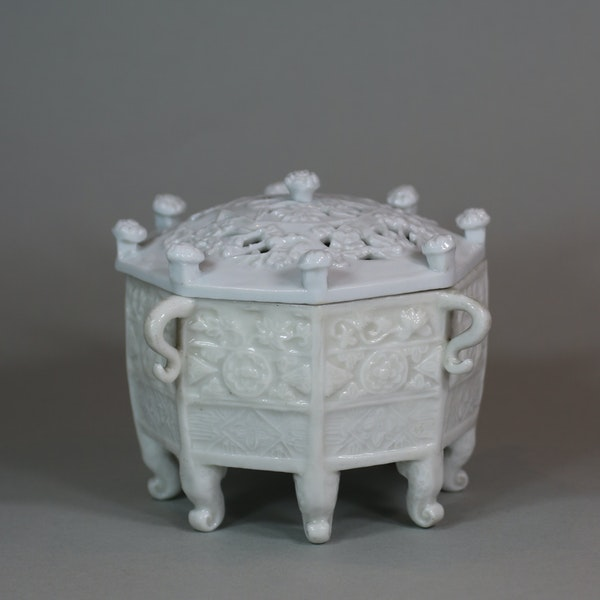 Chinese blanc de chine 'Marco Polo' censer and cover, Kangxi (1662-1722) - image 2