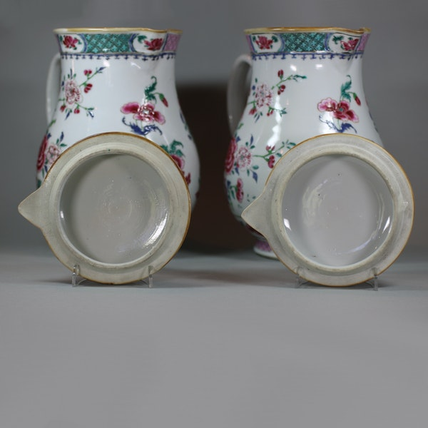 Pair of large Chinese famille rose jugs and covers, Qianlong (1736-95) - image 6