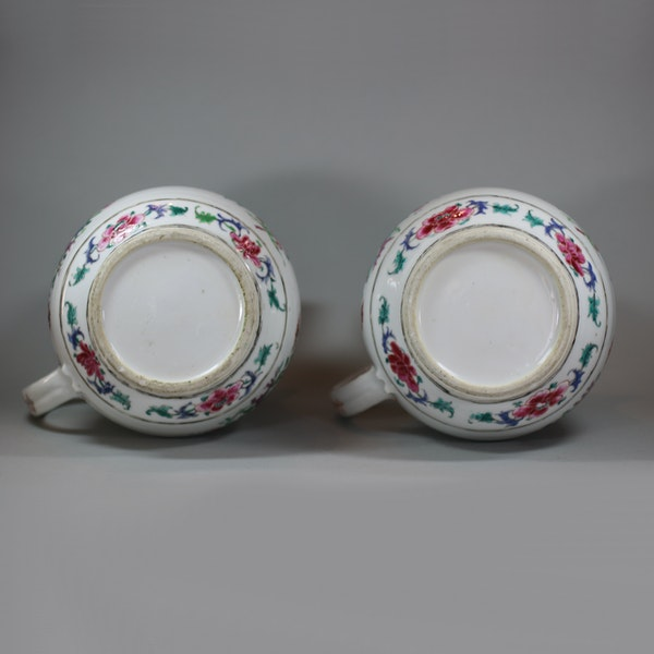 Pair of large Chinese famille rose jugs and covers, Qianlong (1736-95) - image 8