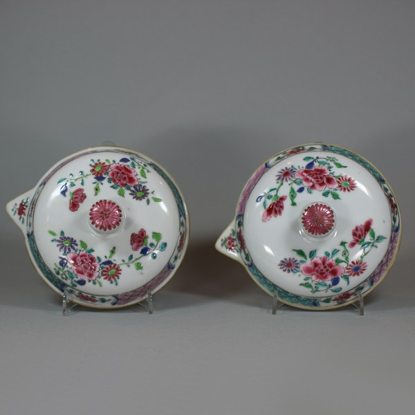Pair of large Chinese famille rose jugs and covers, Qianlong (1736-95) - image 7