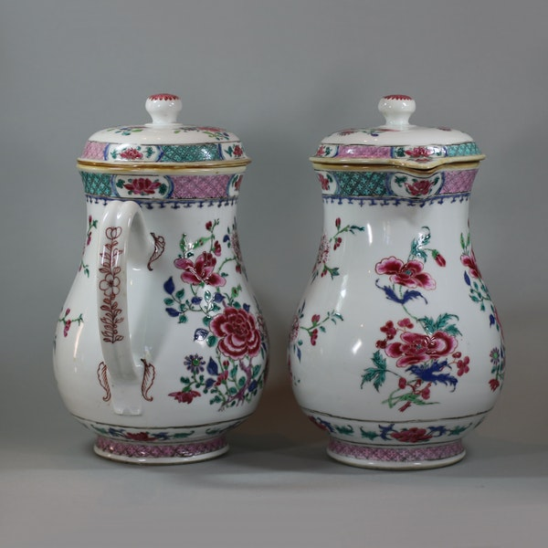 Pair of large Chinese famille rose jugs and covers, Qianlong (1736-95) - image 4