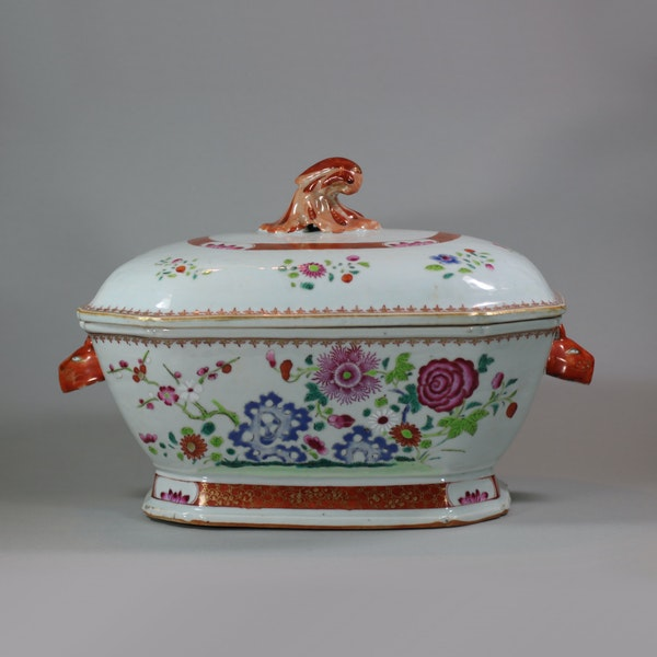 Large Chinese octagonal famille rose tureen and cover, Qianlong (1736-95) - image 1