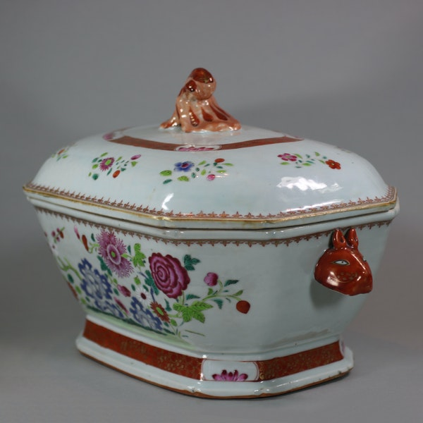 Large Chinese octagonal famille rose tureen and cover, Qianlong (1736-95) - image 8