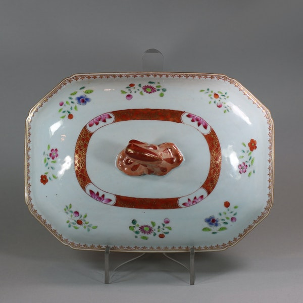 Large Chinese octagonal famille rose tureen and cover, Qianlong (1736-95) - image 5