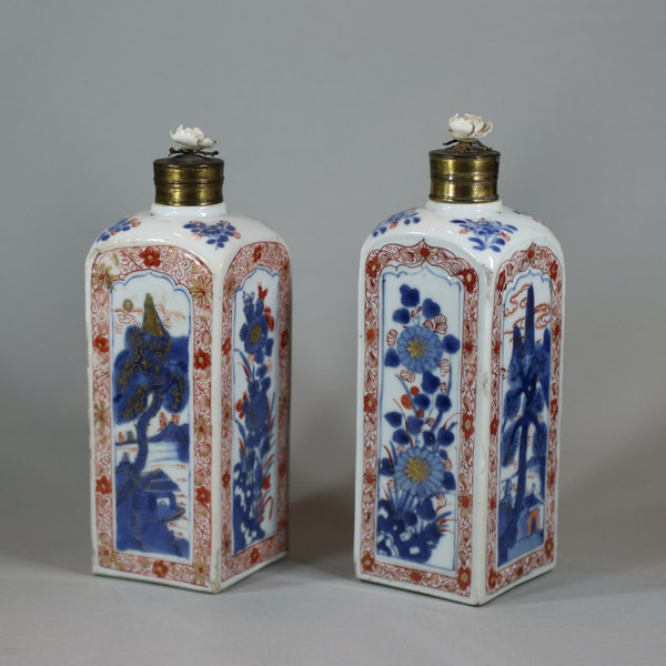 Pair of Chinese imari gin bottles, Kangxi (1662-1722) - image 4