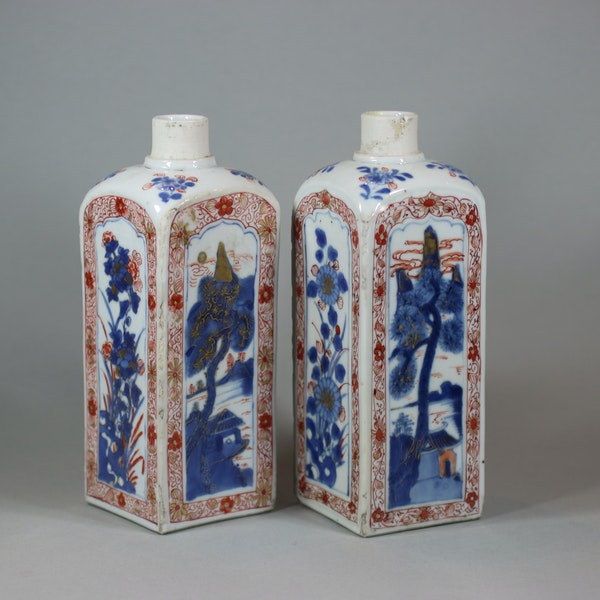 Pair of Chinese imari gin bottles, Kangxi (1662-1722) - image 2