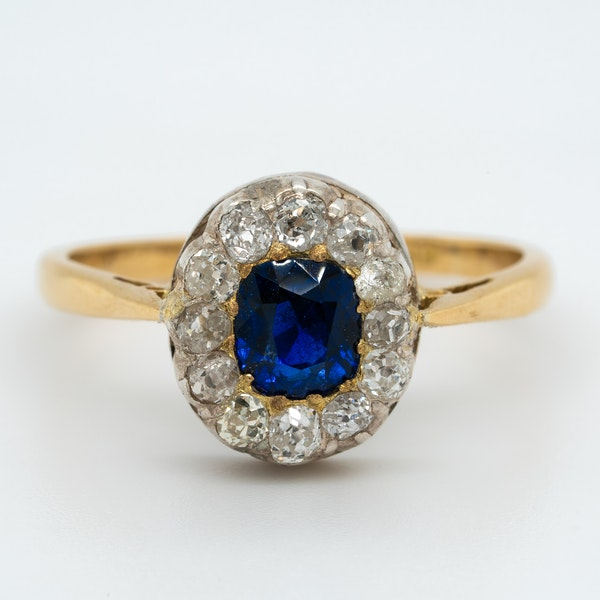 Victorian diamond and sapphire oval cluster ring - image 1