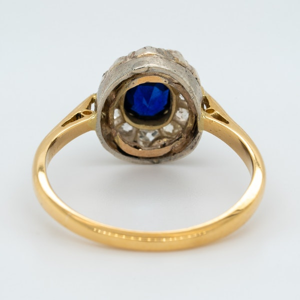 Victorian diamond and sapphire oval cluster ring - image 4
