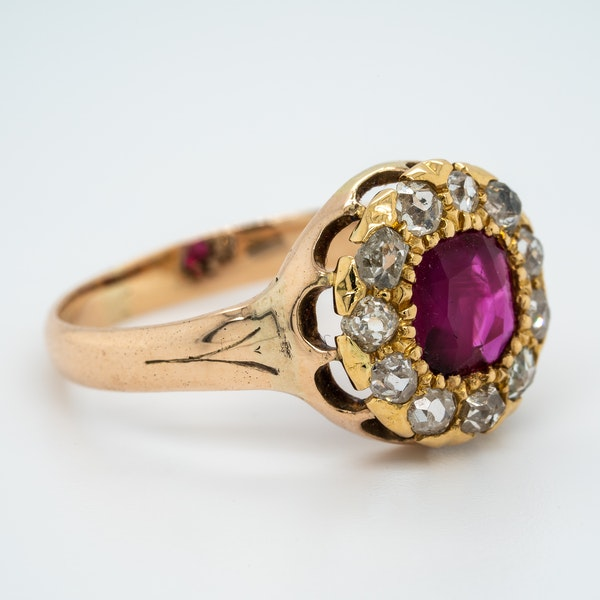 Antique gold ruby and diamond cluster ring - image 2