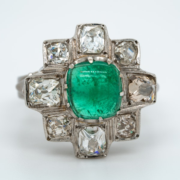 Emerald cabochon and diamond cluster ring - image 1