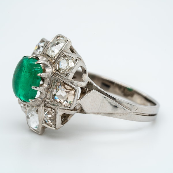 Emerald cabochon and diamond cluster ring - image 3