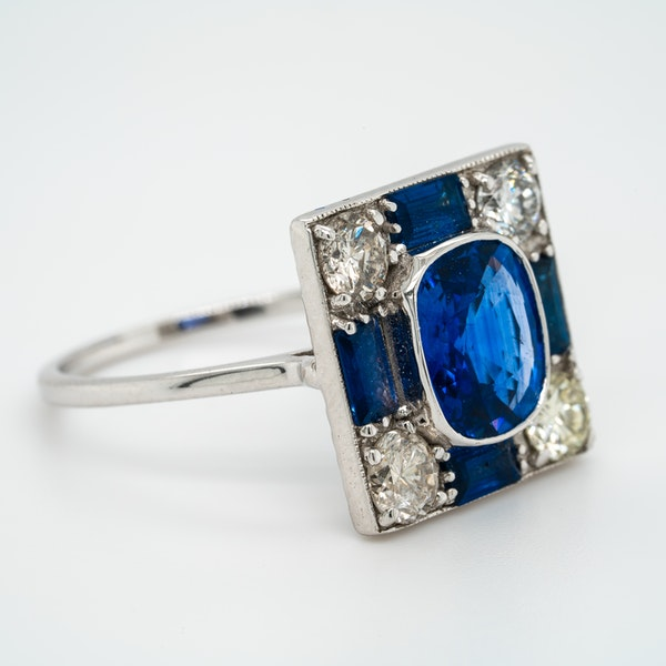 Vintage sapphire and diamond rectangular cluster ring - image 2