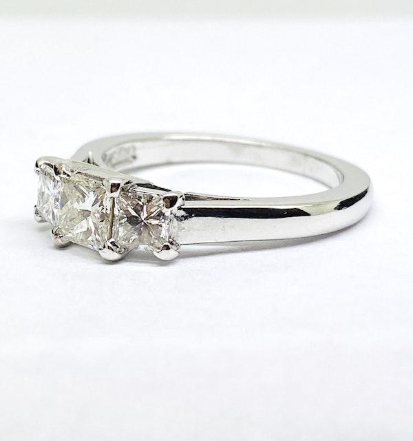 18K white gold, 3-stone 0.95ct Diamond Ring - image 4