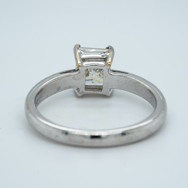 18K white gold 1.03ct Diamond Solitaire Engagement Ring. - image 4
