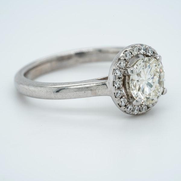 18K white gold 1.05ct Diamond Engagement Ring - image 2