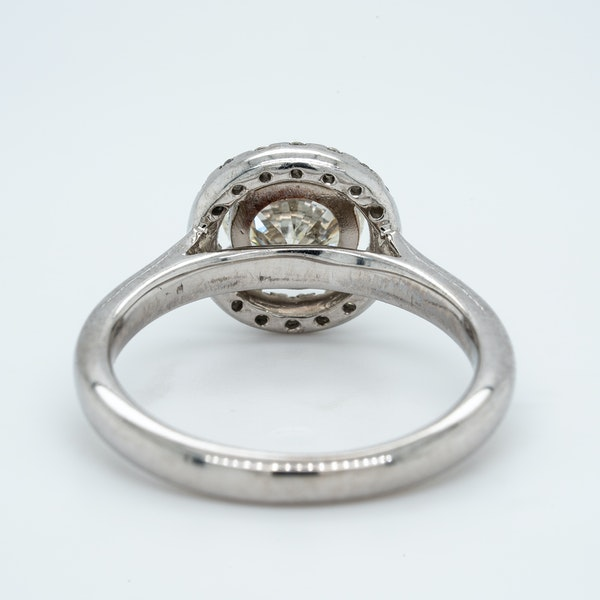 18K white gold 1.05ct Diamond Engagement Ring - image 4