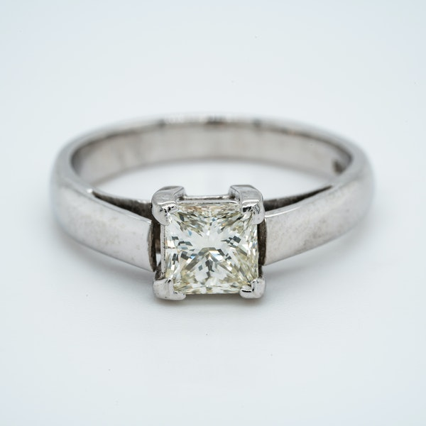 18K white gold 1.01ct Diamond Solitaire Engagement Ring - image 1