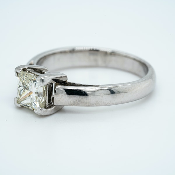 18K white gold 1.01ct Diamond Solitaire Engagement Ring - image 3