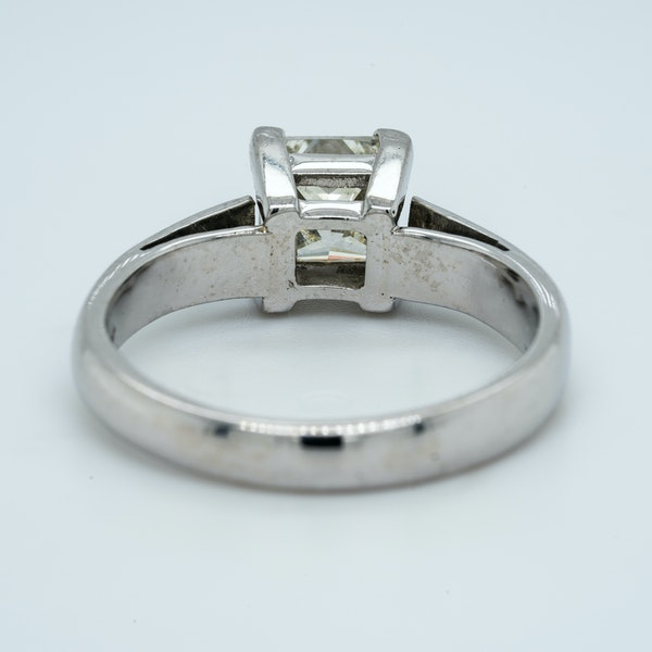 18K white gold 1.01ct Diamond Solitaire Engagement Ring - image 4