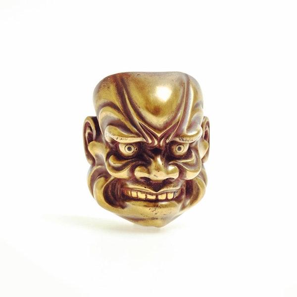 Large gold lacquer mask netsuke - image 1