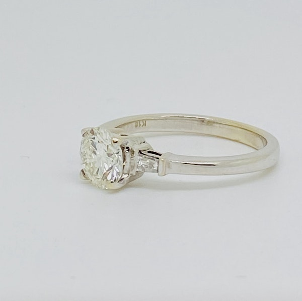 18K white gold 1.10ct Diamond Solitaire Engagement Ring - image 3
