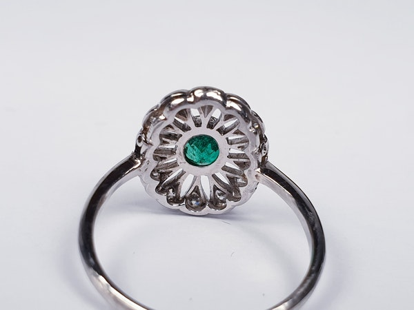 Art Deco Emerald and Diamond Cluster Ring  DBGEMS - image 4