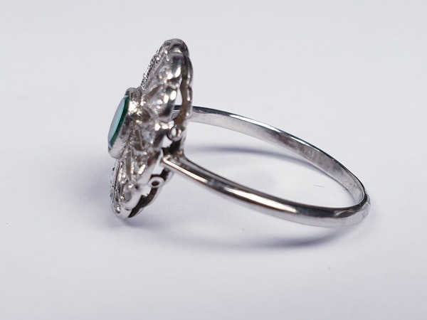 Art Deco Emerald and Diamond Cluster Ring  DBGEMS - image 3