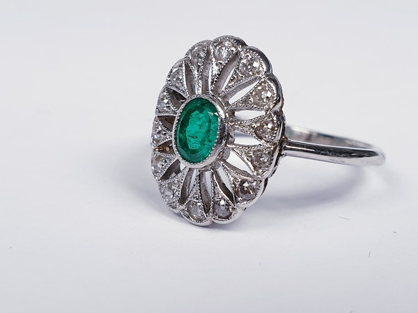 Art Deco Emerald and Diamond Cluster Ring  DBGEMS - image 2
