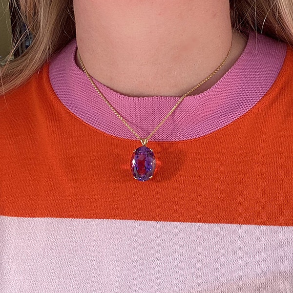 Amethyst Pendant in 18ct Gold date London1966 SHAPIRO & Co since1979 - image 1