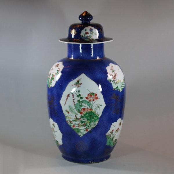 Large Chinese powder blue baluster vase and cover, Kangxi (1662-1722) - image 2