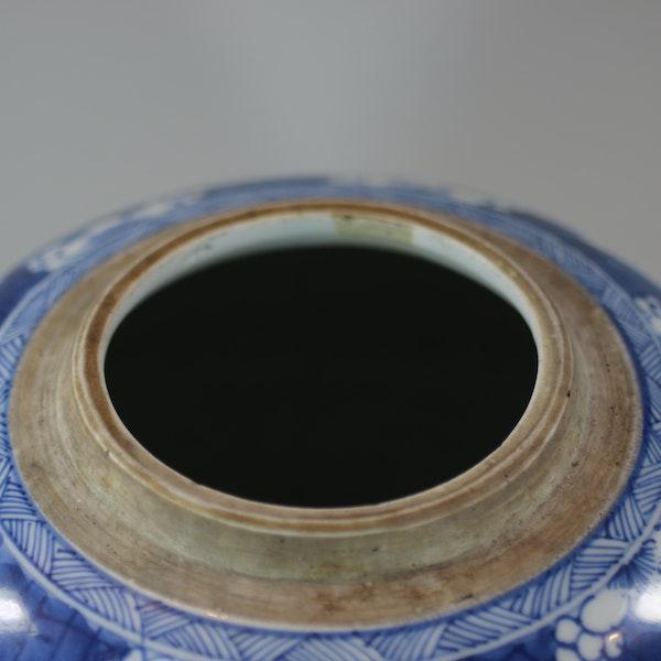 Chinese blue and white ginger jar, Kangxi (1662-1722) - image 5