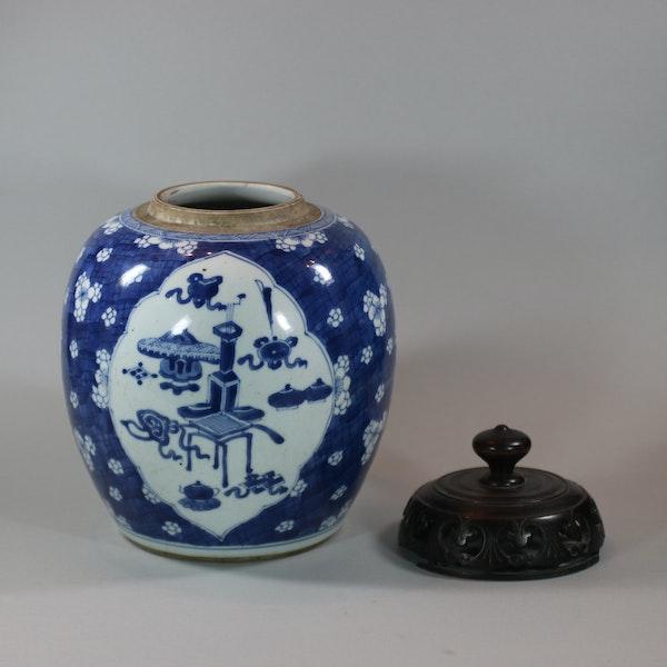 Chinese blue and white ginger jar, Kangxi (1662-1722) - image 6