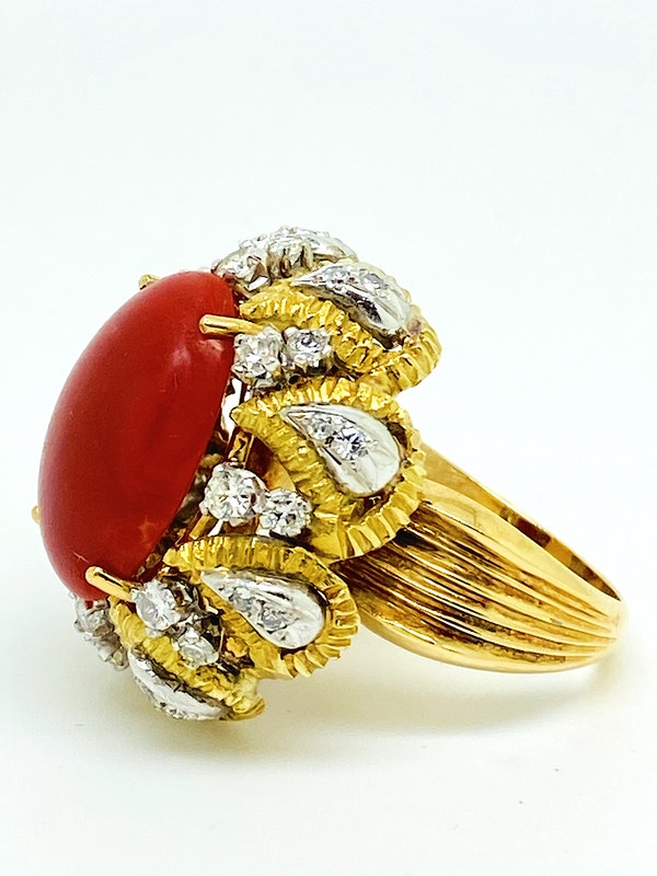 18K yellow gold Diamond and Coral Ring - image 2