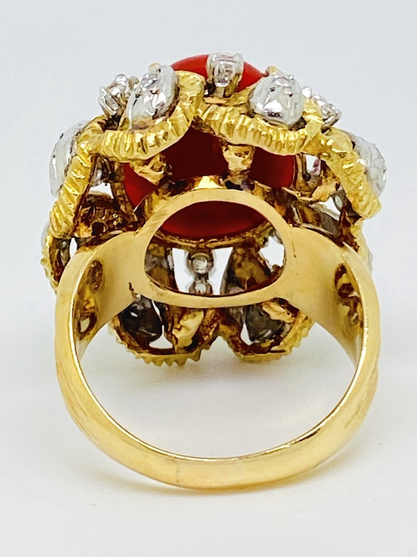 18K yellow gold Diamond and Coral Ring - image 3