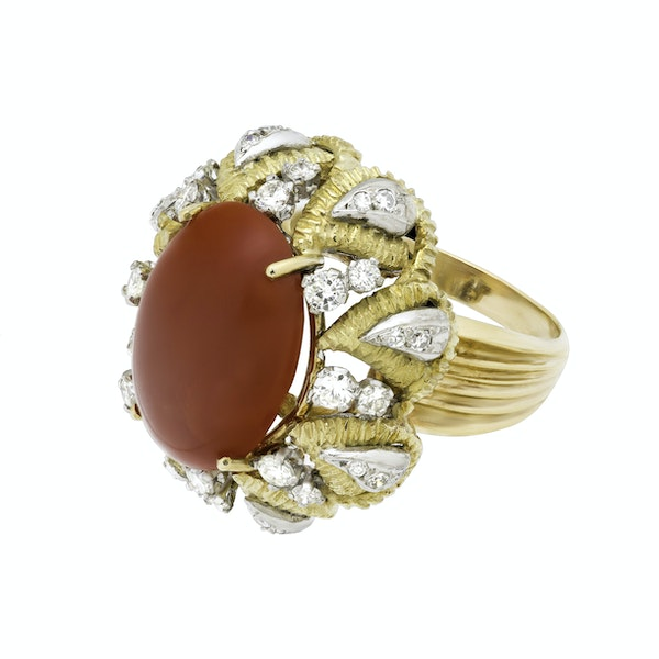 18K yellow gold Diamond and Coral Ring - image 4