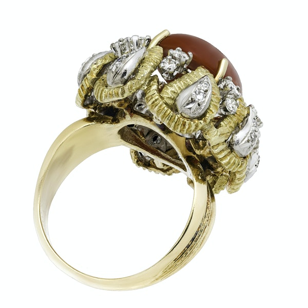 18K yellow gold Diamond and Coral Ring - image 5