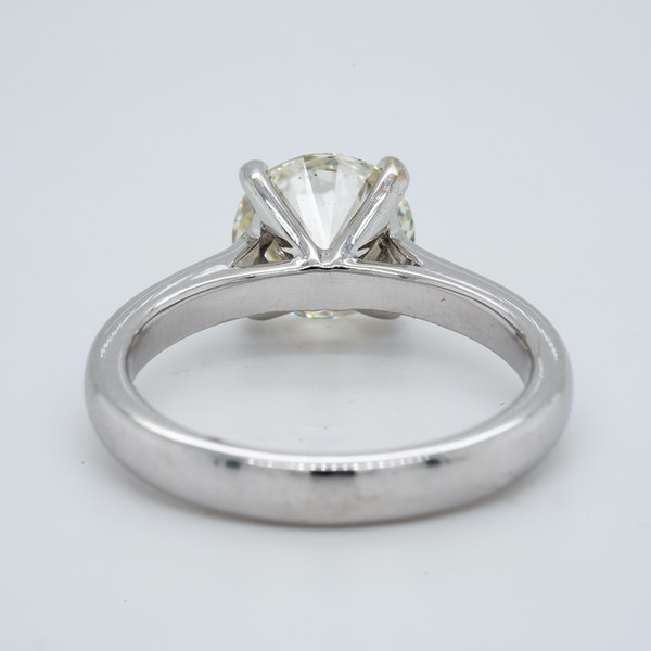 18K white gold 2.01ct Diamond Solitaire Engagement Ring - image 6