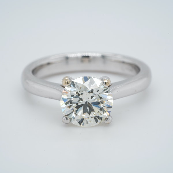 18K white gold 2.01ct Diamond Solitaire Engagement Ring - image 3