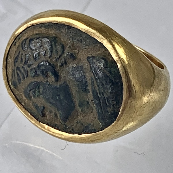 Ancient Greek bronze ring in later gold mount - image 1