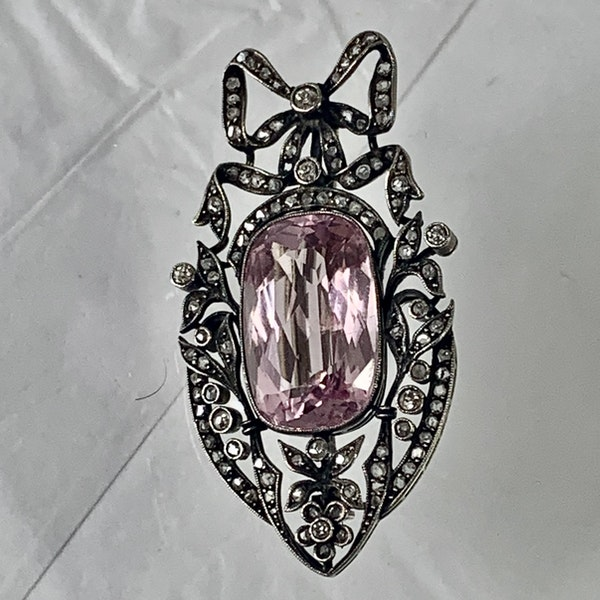 Morganite and diamond brooch - image 1